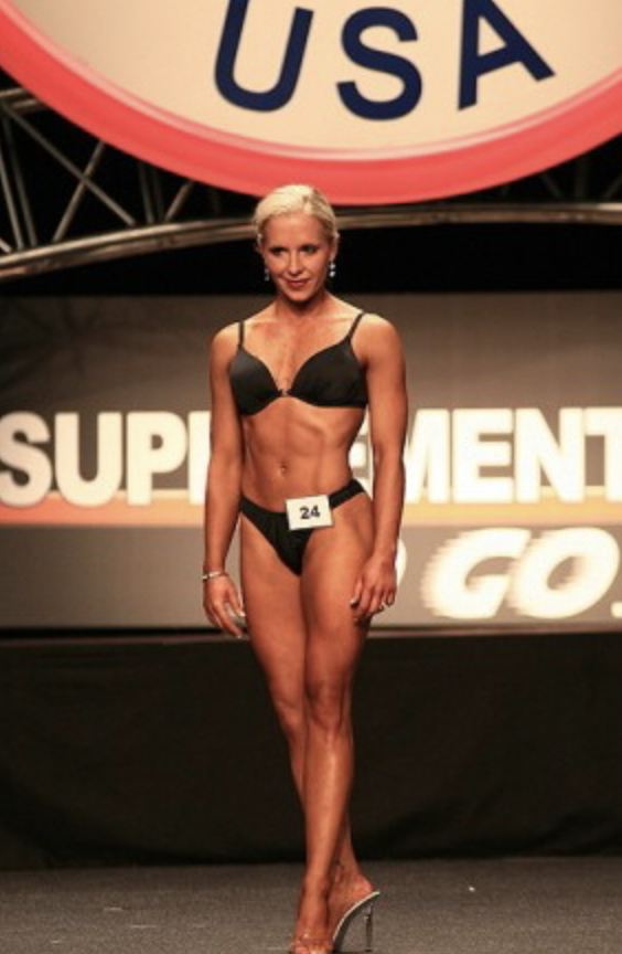 Cara Kokenes fitness modelling at a competition