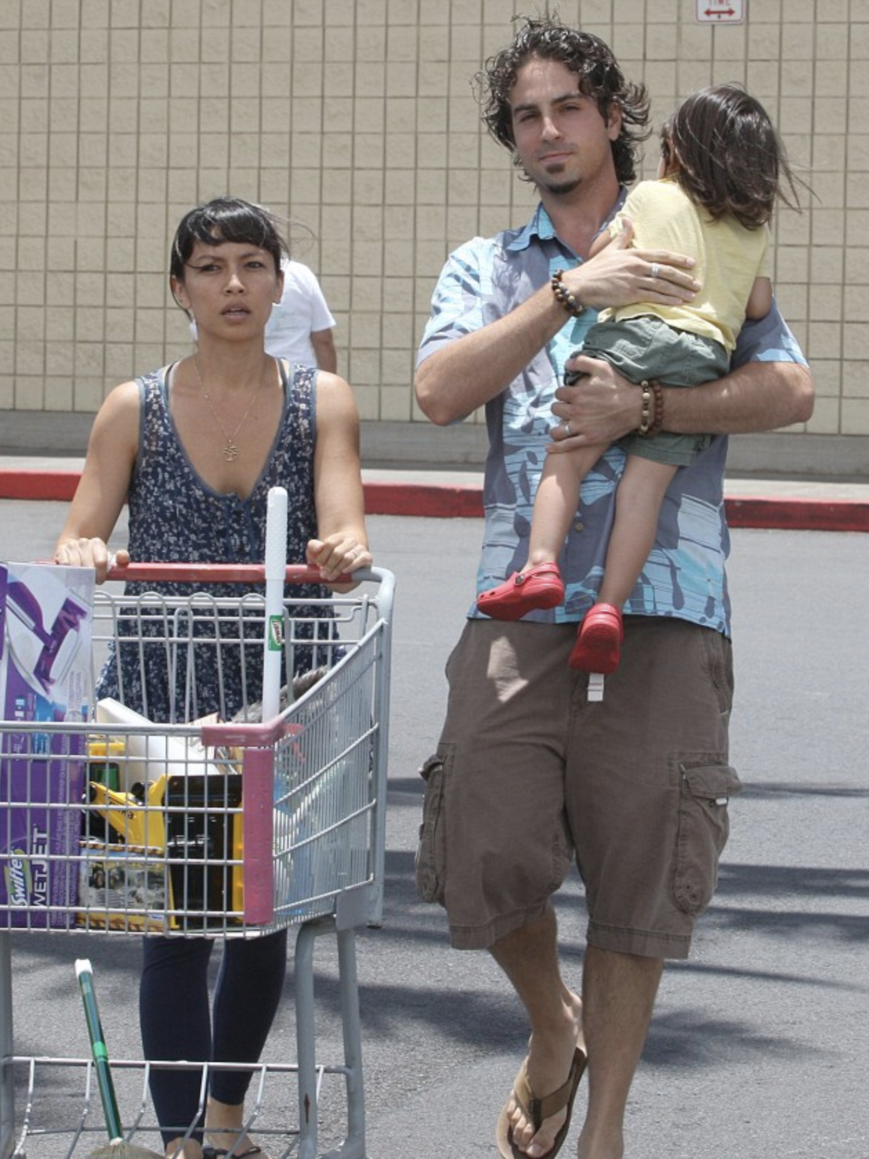 Wade Robson Amanda Rodriguez and son in shopping centre car park