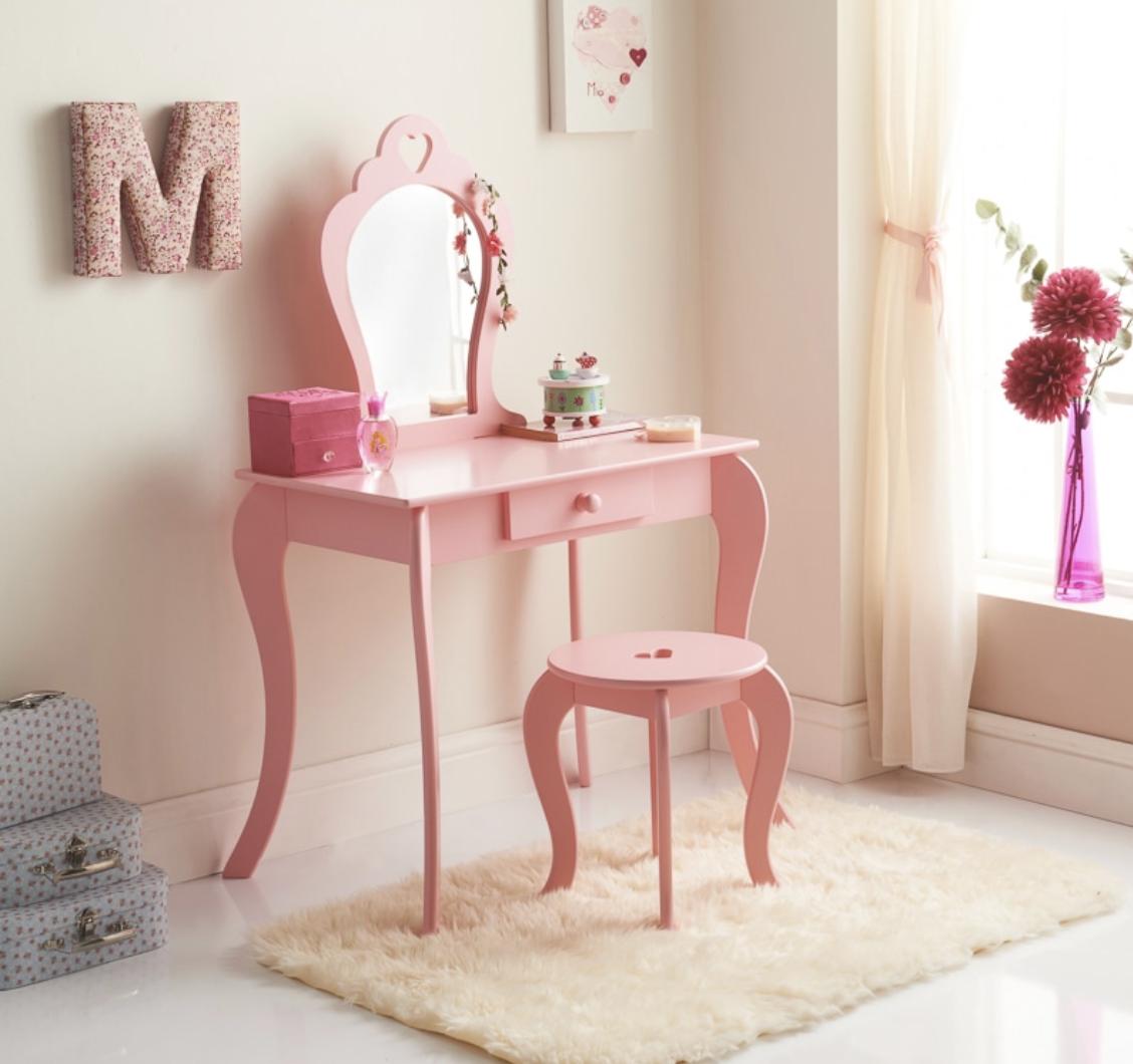 B&M kids dressing table