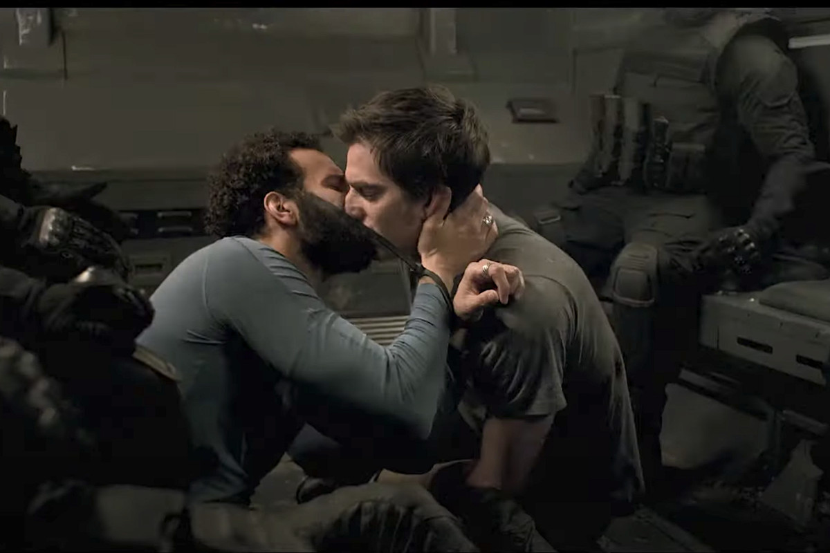 joe and nicky kiss